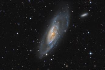 M106 - Галактика в созвездии Гончие Псы